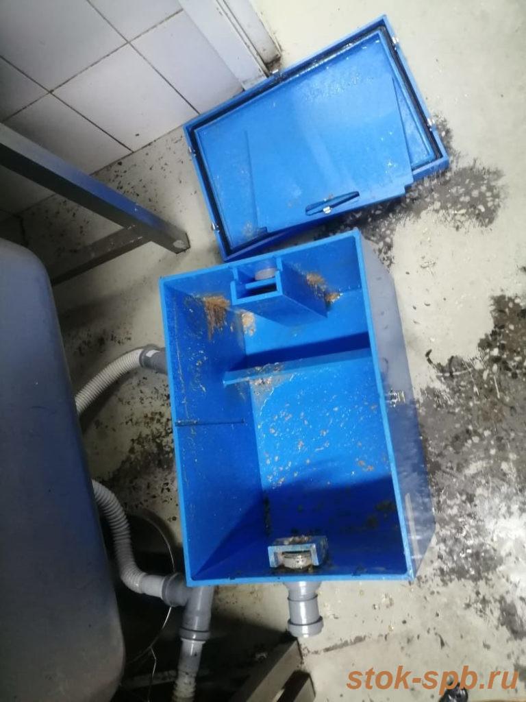 Очистка жироулавливателя Пятый Элемент Профи 1