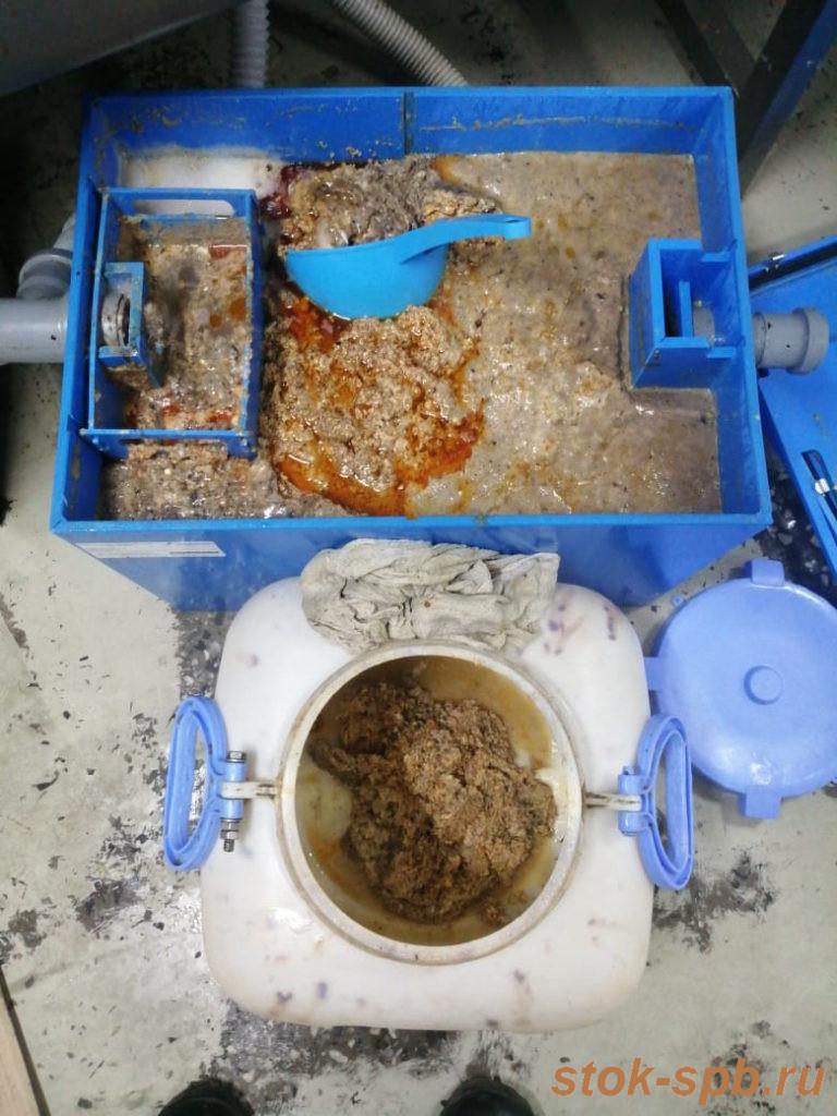Очистка жироулавливателя Пятый Элемент Профи 2